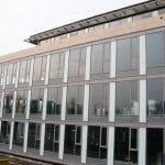Hliníková okna v komerčních budovách